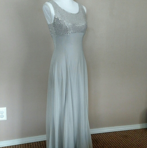 La Glo Dresses Donating Soon Flawed Silver Dress Size 34 Poshmark
